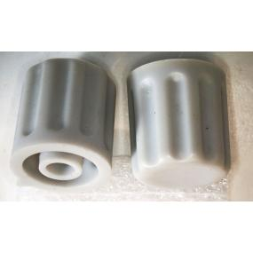 Knoflík 4mm KP1404 sv.šedý