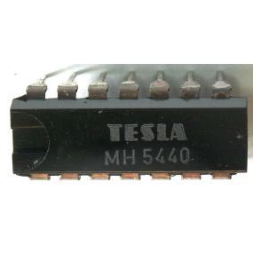 CER 4700µ/35V 105st