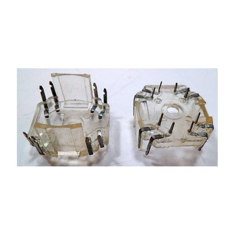 Patice-držák P18x11 8vývodů. průhledný plast