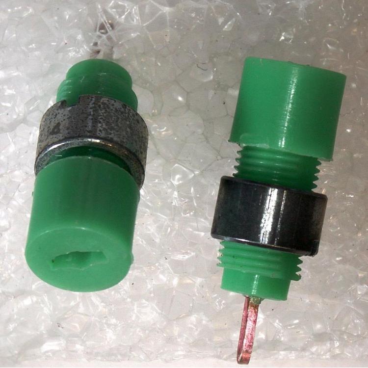 Minizásuvka 6AF28033 zelená